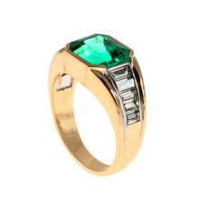 Steltman emerald ring by Steltman