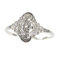 Vintage Art Deco Interbellum diamond engagement ring by Unknown