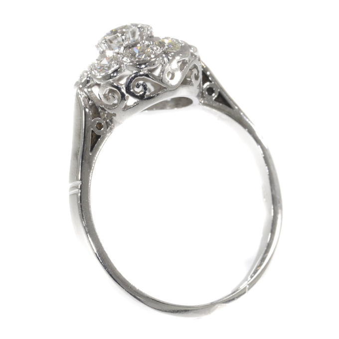 Vintage engagement ring 1950's platinum and brilliant cut diamonds by Unknown