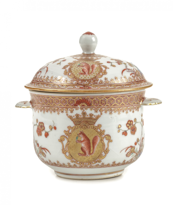 A CHINESE EXPORT PORCELAIN 'SICHTERMAN' SUGAR BOWL AND COVER, KANDIJPOT by Unknown Artist