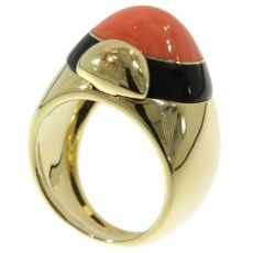 Vintage ring with onyx and coral by Unknown