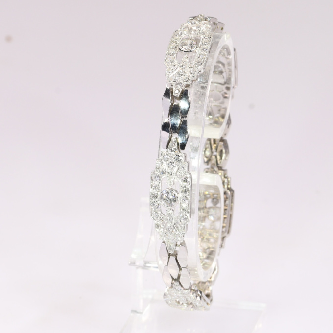 Vintqge Fifties Art Deco diamond bracelet with 4.65 crt total diamond weight by Unknown