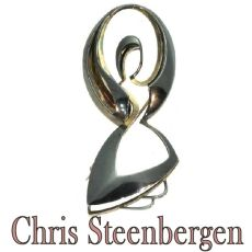 Artist Jewelry by Chris Steenbergen gold and silver brooch the rope jumper by Chris Steenbergen
