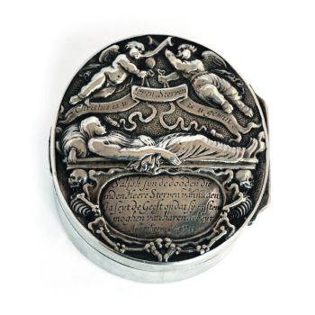 Box for consecrated soil with one-sided medal on death by Unknown Artist