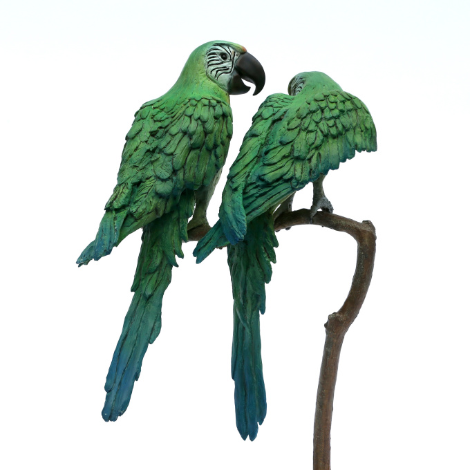 Koppel papegaaien by Madeleine van der Knoop