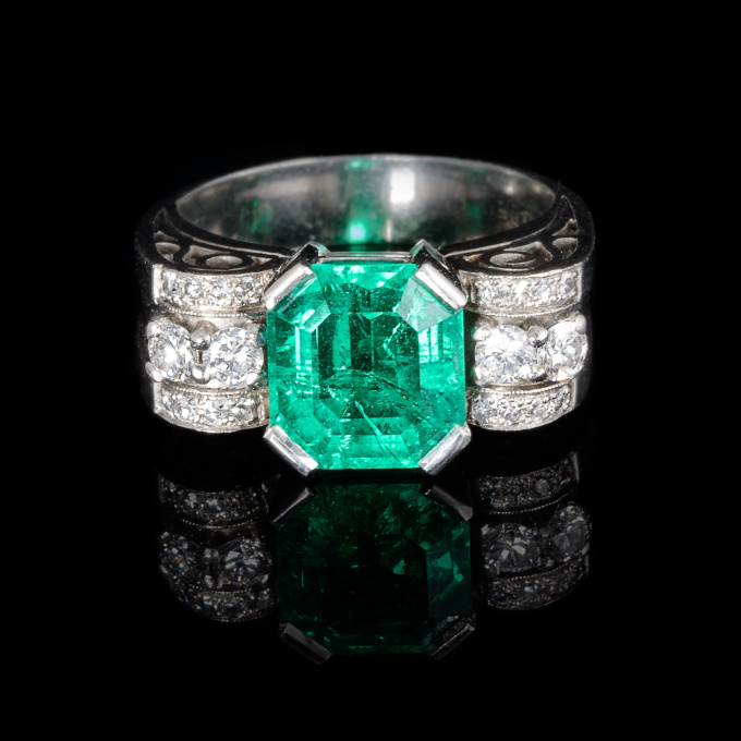 Retro emerald ring by Unknown Artist