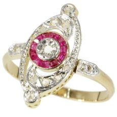 Charming Belle Epoque Art Deco ring with diamonds and rubies by Unknown