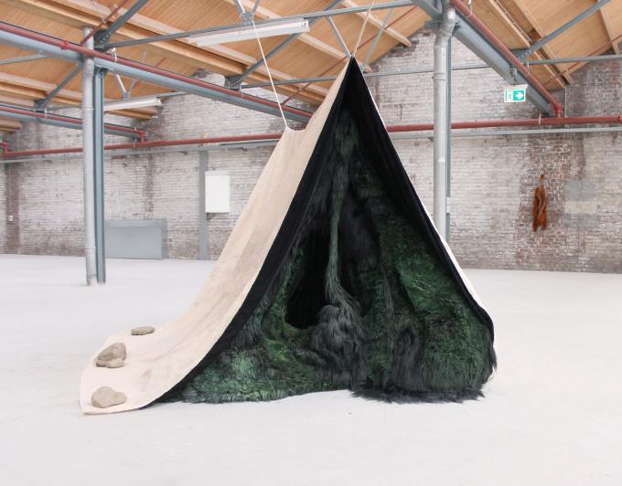 Tent by Elke Lutgerink