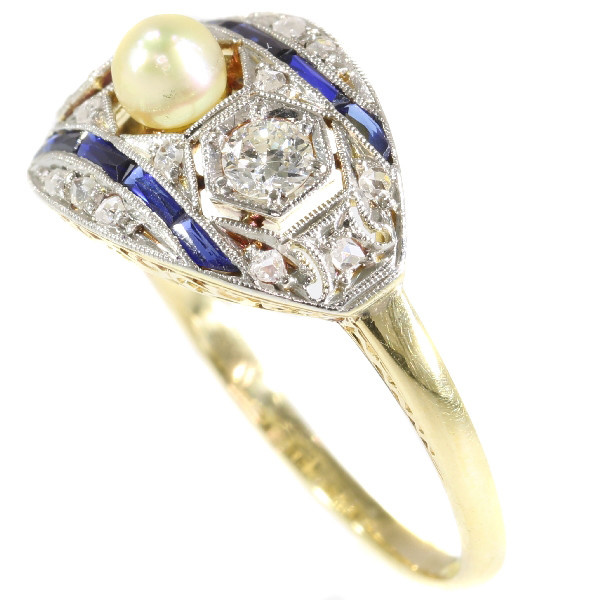 Original Art Deco engagement ring with diamonds, sapphires and a pearl by Unknown