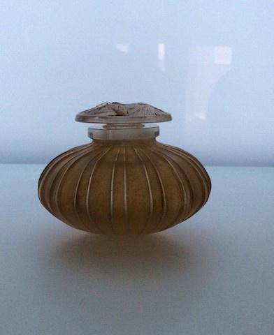 A very nice perfume flacon circa 1911 by René Lalique