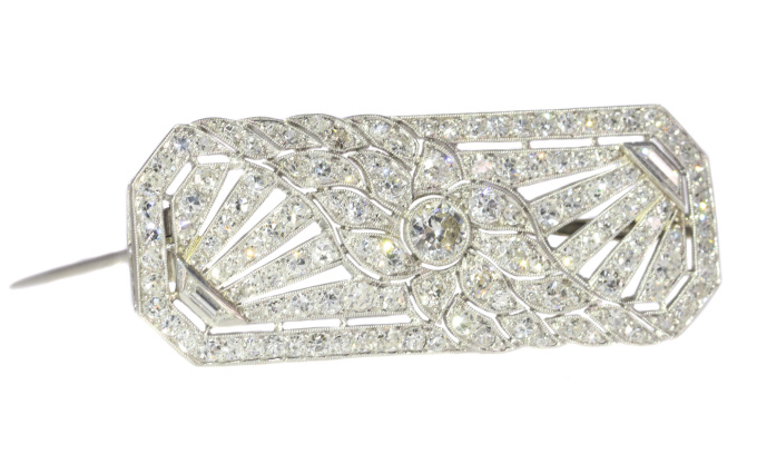 French platinum Art Deco diamond brooch by Unknown Artist