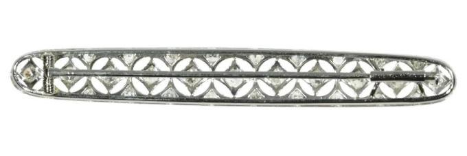 Dutch platinum Art Deco Belle Epoque bar brooch set with diamonds by Unknown Artist
