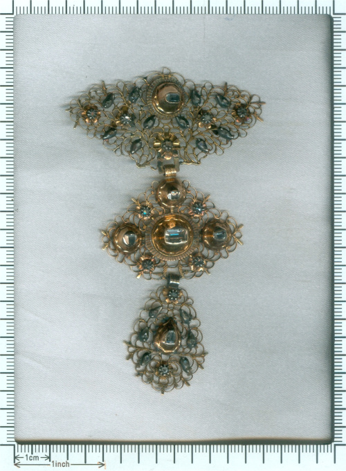 18th Century filigree gold cross pendant called A la Jeanette table cut diamonds by Unknown