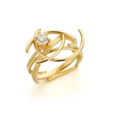 Yellow gold ring with 'cape' diamond (0.51 ct) by Sabine Eekels