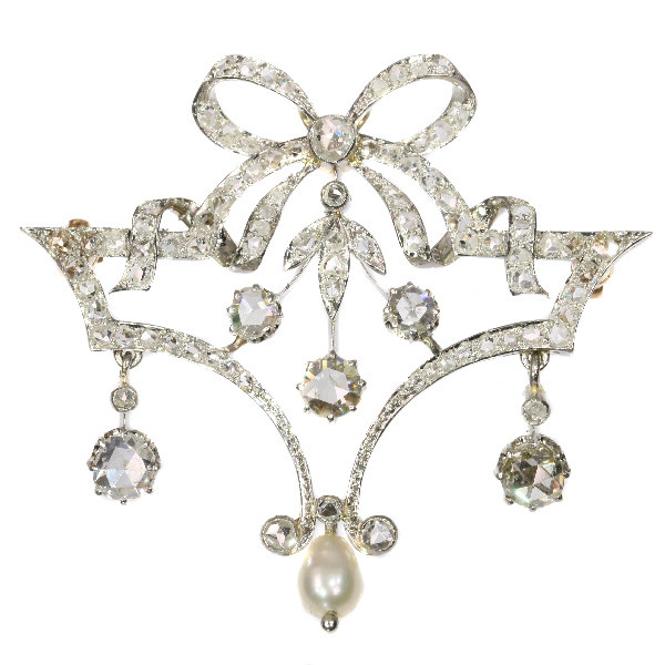 Belle Epoque Brooch In Guirlande Style With Diamonds And Pearl by Unknown