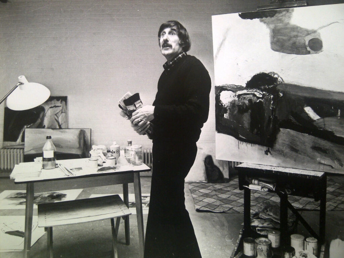 'Pieter Defesche in zijn atelier' by Nico Koster