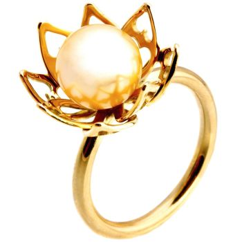 Lotus Ring by Eva Theuerzeit