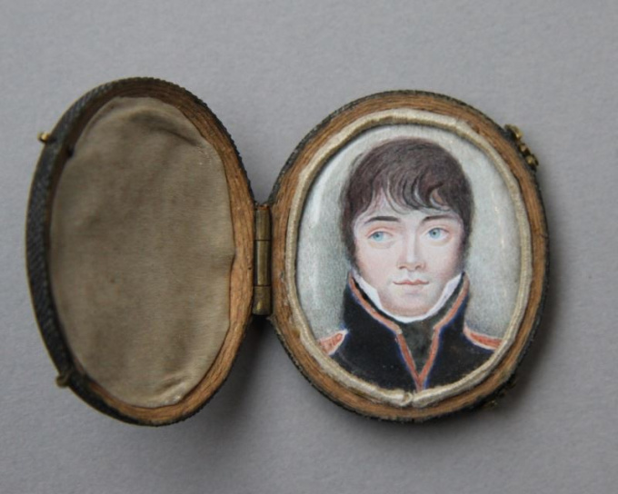 Oval miniature portrait of a young officer, presumably an officer of the Garde Impériale, France by Unknown Artist