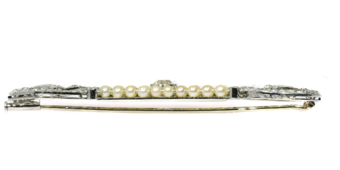 Elegant platinum diamonds and pearls Art Deco Belle Epoque brooch by Unknown Artist