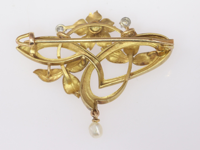 French Art Nouveau 18K gold pendant brooch with diamonds and pearls by Unknown