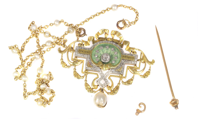 Vintage Belle Epoque brooch and pendant on chain enameled set with 109 diamonds by Unknown