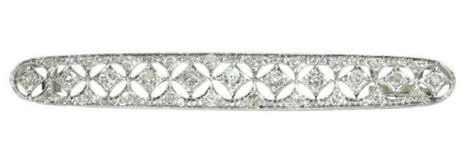 Dutch platinum Art Deco Belle Epoque bar brooch set with diamonds by Unknown