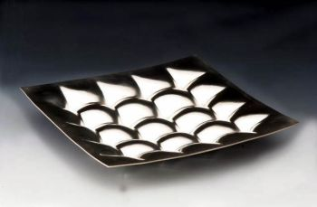 capitonnated dish by Paul de Vries