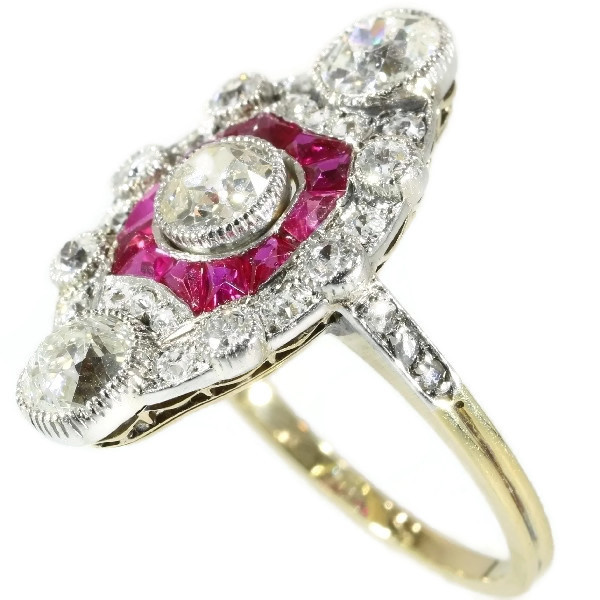 Stunning Belle Epoque Art Deco diamond and ruby engagement ring by Unknown